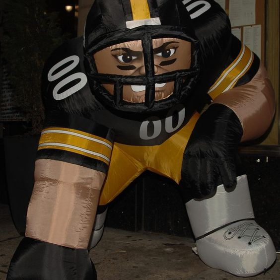 With the exception of one season, the Steelers uniforms have always been black and gold.