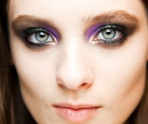 How to keep up with the latest makeup trends and styles