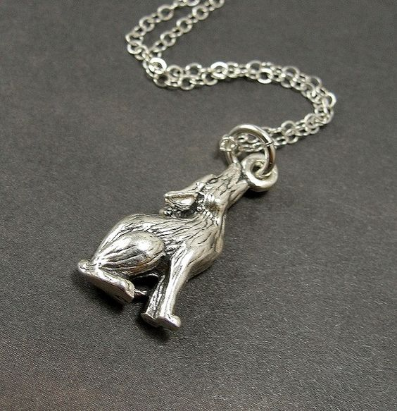 howling coyote necklace  36-