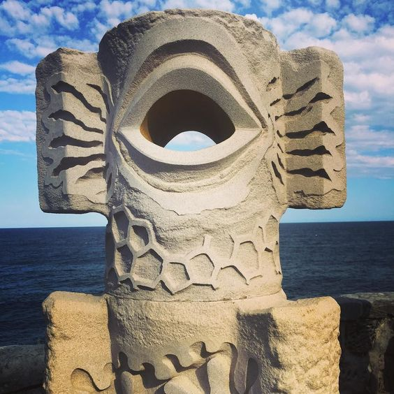 Sculptures by the sea #sculpturesbythesea #sculpture #sandstonesculpture #structuralframe #structural #design #artwork #coastalwalk #bondibeachsydney #bondibeach by natalie_nurse6 http://ift.tt/1KBxVYg