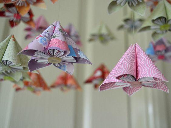 kusudama fleur origami b b mobile pinterest mobiles d 39 origami origami et b b. Black Bedroom Furniture Sets. Home Design Ideas