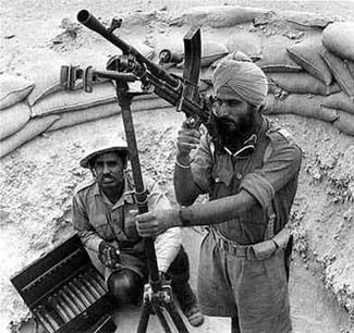 A Sikh and a Hindu Soldier,   WWII. ~  Link to article: Indian Army in WWII: Punjabi Regiments.