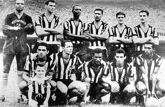 O Botafogo Campeao Carioca Em 1957 Em Pe Da Esquerda Para A