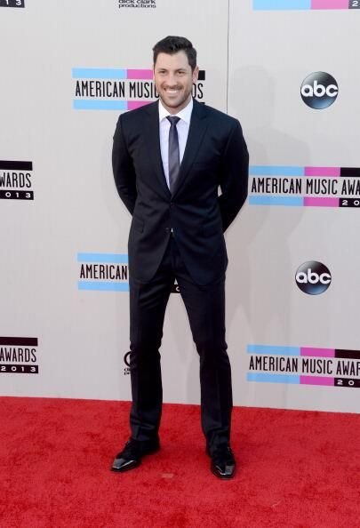 On the AMA Red Carpet looking extremely handsome!!!