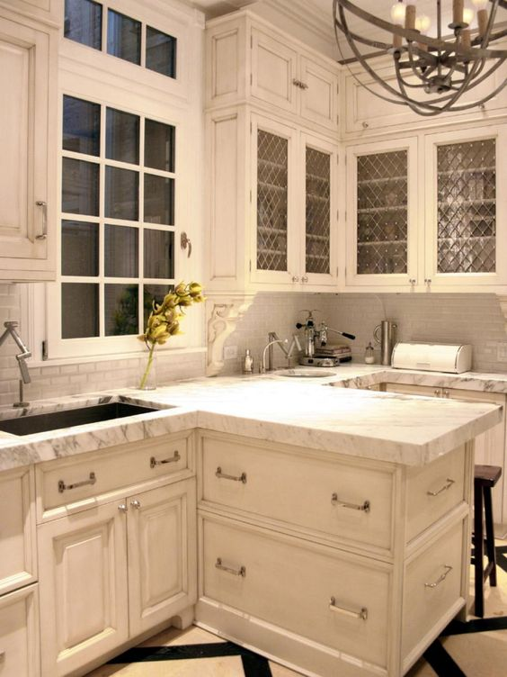 Inspired examples of marble kitchen countertops for Examples of kitchen cabinets