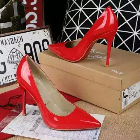 216XC122 Christian Louboutin, lacquar leather  heel 8cm size 34-40 red