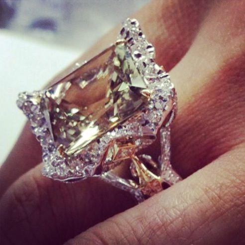 Zultanite Gold and diamond ring - Kat Florence Jewellery