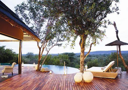 Direkt vor Ihrer Terrasse erstrecken sich die unendlichen Weiten des Madikwe Game Reserve.