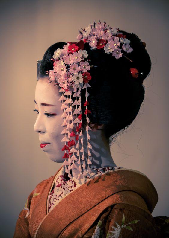 舞妓 maiko 尚絹 naokinu 上七軒 KYOTO JAPAN