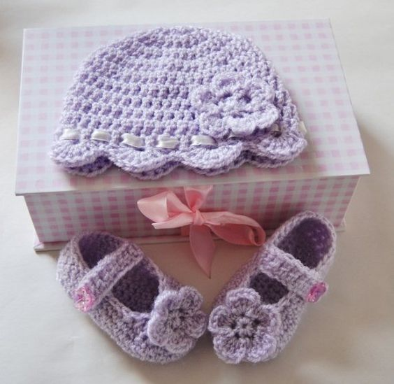 Free Crochet Pattern Baby Gifts : Craft Passions: Baby gift set # free crochet pattern link here