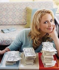 Budgeting 101: Step 1, divide your spending into 4 categories (Fixed Costs, Investments, Savings,   Spending $) #SelfMagazine