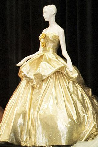 Los vestidos de las princesas Disney a subasta Cenicienta by Versace