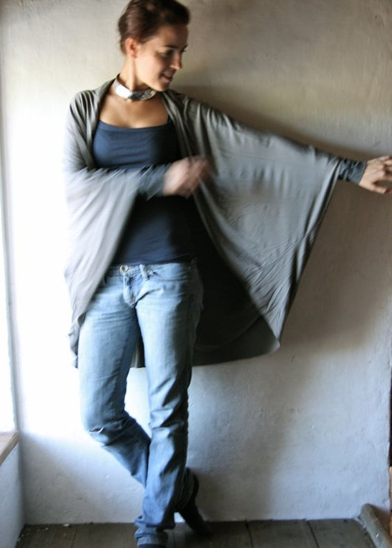 Lange Strickjacke grauer Pullover Oversize von larimeloom auf Etsy