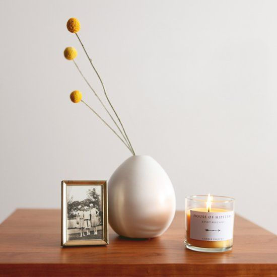 Not so pretty packaging can kill a candle even when it smells amazing. Download this stylish free printable and bring in modern design.