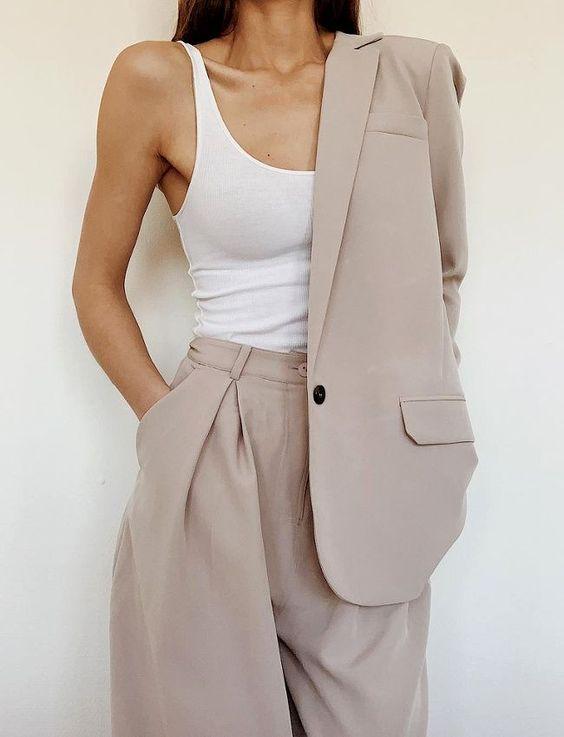 Базовый гардероб 2020: костюмы