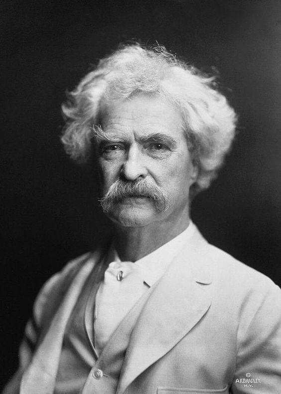 * Mark Twain * (Samuel Langhorne Clemens).  Escritor e Humorista norte-americano (* 30/Novembro/1835 - 21/Abril/1910).