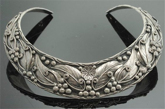 Vintage Navajo Silver Jewelry     Can't wait to see what this gorgeous choker inspires me to create!