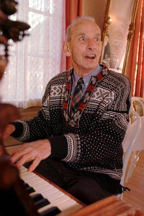 Fredrik Kayser Furniture designer celebrating his 90's Birthday