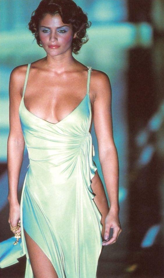 Helena Christensen: Gianni Versace, S/S. 1995