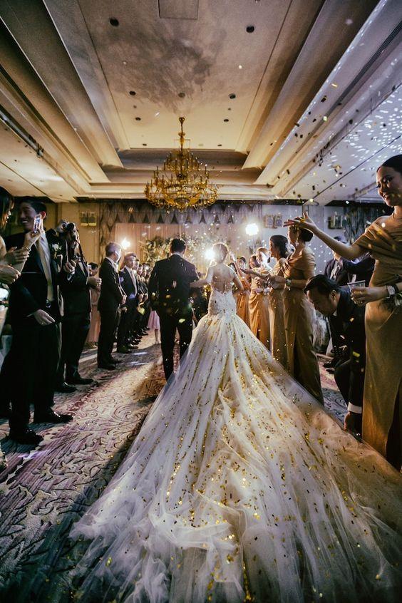 Hochzeitskleid Sterne Himmel
