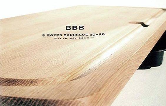 BBB (Birgers Barbeque Board), er et board som adskiller sig markant fra alt andet, både hvad angår design, form, kvalitet og funktionalitet.   BBB skærebræt til grill og kød fås i hårde træsorter som eg, bøg og Bornholmsk røn. Shop online KUN  hos www.houseofbk.com