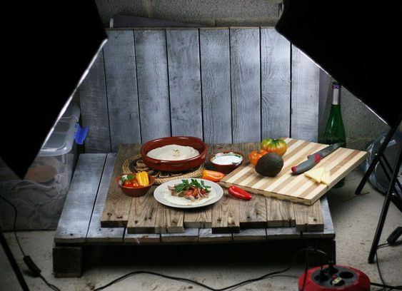 Diy mini home photo studio made from pallets food - Mini cuisine studio ...