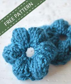 Simple Knit Flower Free Pattern ♥ http://www.knotenufknitting.com