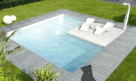 The Plunge Pool Is One Of The Most Versitile Amenities To Put In A Back Yard Small Backyard Pools Backyard Pool Backyard