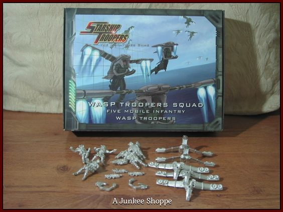 STARSHIP TROOPERS Wasp Trooper Squad 2005 Mongoose Publish. 910016 Missing Parts  P732  http://ajunkeeshoppe.blogspot.com/