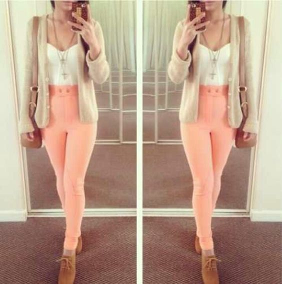 Pink high waisted jeans with white crop top with cute boots and ...