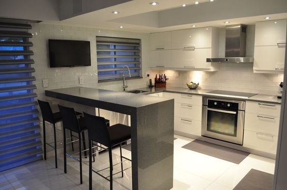 57 Beautiful Small Kitchen Ideas (Pictures) | Small Modern Kitchens, Quartz  Counter And Modern