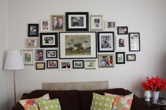 Living Room Frame Collage Wall Ideas 47 Living Room Photo Collage E Lovely Life In 2020 Frame Wall Collage Wall Collage Living Room Photos