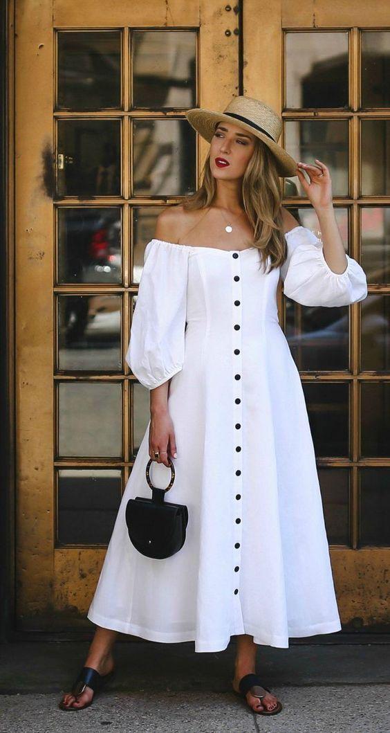Para um look mais feminino, aposte nos vestidos, que resultam tanto no 'streetstyle', como num 'sunset' <3 #ombros #mangasabalonadas #mangabalão #tendencia #estilo #moda #modaverão #inspo #fashioninspo