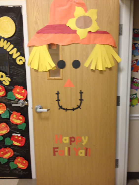 Happy fall y 39 all door decor classroom ideas pinterest for Autumn classroom decoration