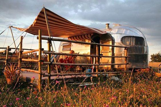 . . . .  #tinytrailera #traveltrailer  #fashionista #camper #camping #caravan #Fashion #fifthwheel #Yachts #MotorHome #mindblowing #jeepThe  #rv #NYC #TruckCamper #truck #airstreams #harley #vespa #surf #beach #travel #sunset #adventure #earthpix #queensland #australia #holiday #family by travel_trailer