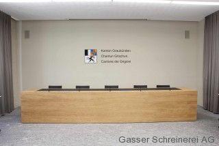 Oeffentliche/gasser-schreinerei-oeffentlichebauten-grossrat-chur-medienkorpus(1)_1443678809.jpg