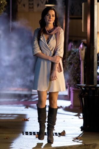 Erica Durance as Lois Lane on Smallville. I loved watching smallville.Please check out my website thanks. www.photopix.co.nz