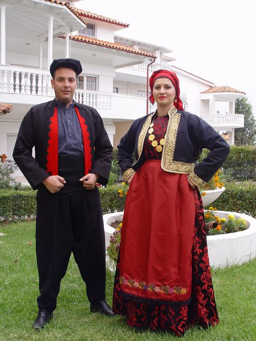 So-called 'Anatoliko' costumes.  From emigrants from Anatolia, now living near Thessaloníki.  Clothing style: ca. 1920.