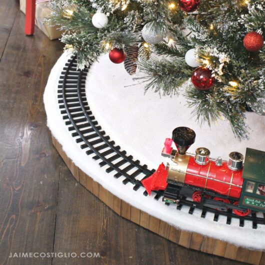 Diy Christmas Tree Skirt For Train Diy Christmas Tree Skirt Christmas Tree Train Diy Christmas Tree