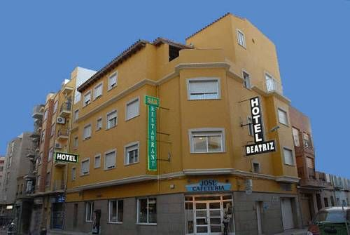 Hotel Beatriz Burriana This family-run hotel is set in the centre of Burriana, 2 km from Arenal Beach and Burriana Port. It offers a 24-hour reception and free Wi-Fi in all areas.
