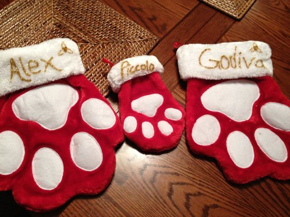DIY Christmas stockings for animals: