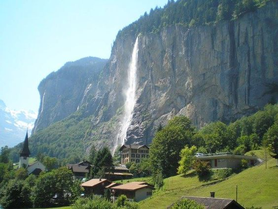 Staubbach-vízesés, Lauterbrunnen, Svájc