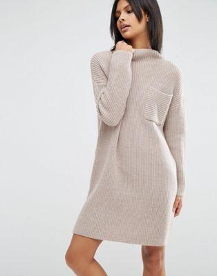 ASOS – Swing-Kleid in Rippenstrick mit Tasche am Oberteil