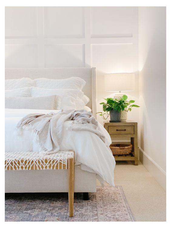 ナチュラルインテリア 寝室 コーディネート例 間接照明 ナイトテーブル