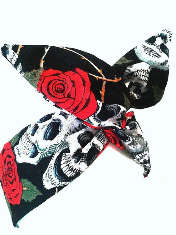 Rockabilly Pin Up Haarband Schwarz Rosen Skull von magmaAccessoires, €7.50