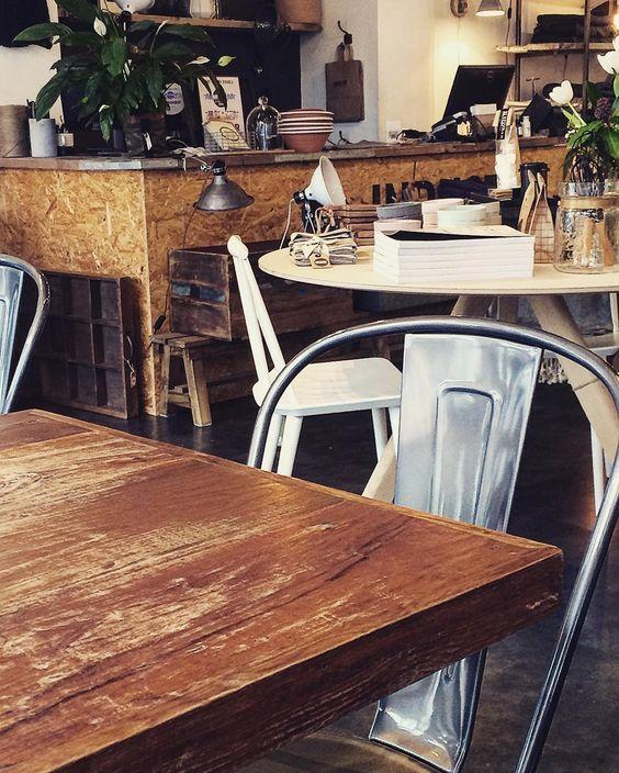 Cafélife  #food#lifestylestore#eatery#dublin#industryandco#lifestyle#potd#coffee#café#loveit#dublin#studyabroad#friendship#lunch@antheamadeleine by ___p___i___a