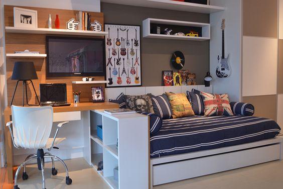 Escrivaninha de estudo em freijó para o quarto de um adolescente: