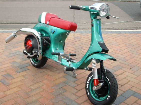 http://motorbike-search-engine.co.uk/Custom/custom-scoot.JPG