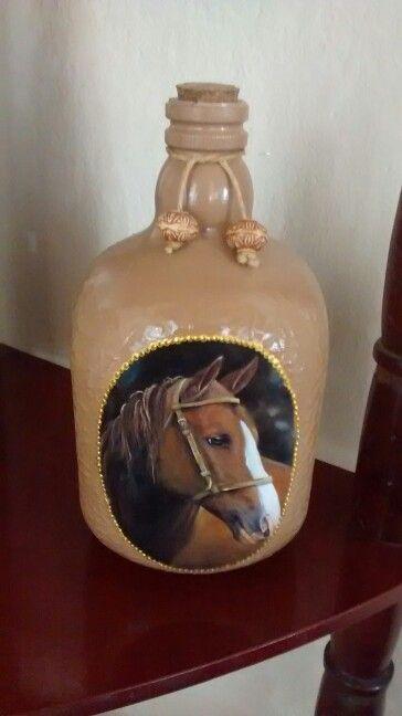 Garrafa decoupage cavalo