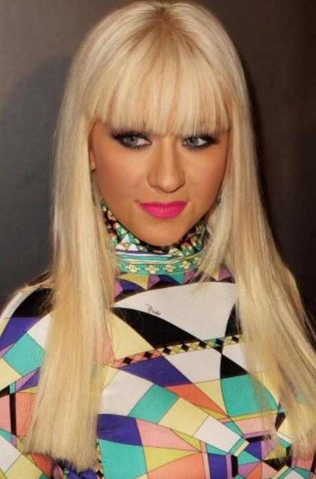 Celebrity of the week: Christina Aguilera Hairstyles | Fringe Hairstyle | Blonde Fringe extensions | Click on photo to read more ..